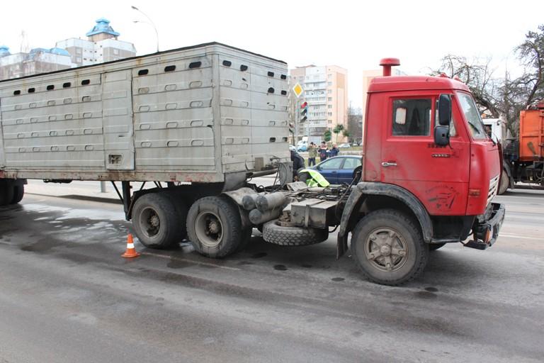 Завершено уголовное дело по факту гибели школьницы в ДТП на улице Советских Пограничников / фото носит иллюстративный характер