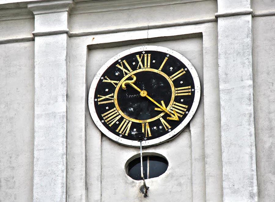 Башенные часы на Фарном костеле