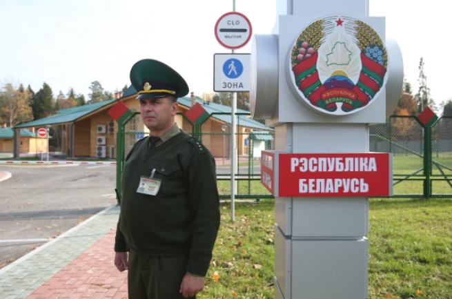 Белорус получил год исправительных работ заоскорбление таможенников