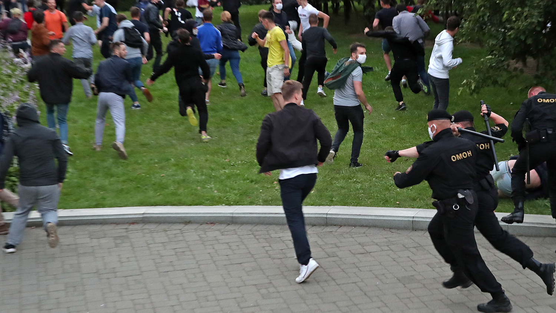 Белоруссия. Протесты, националисты, радикалы и внешнее вмешательство