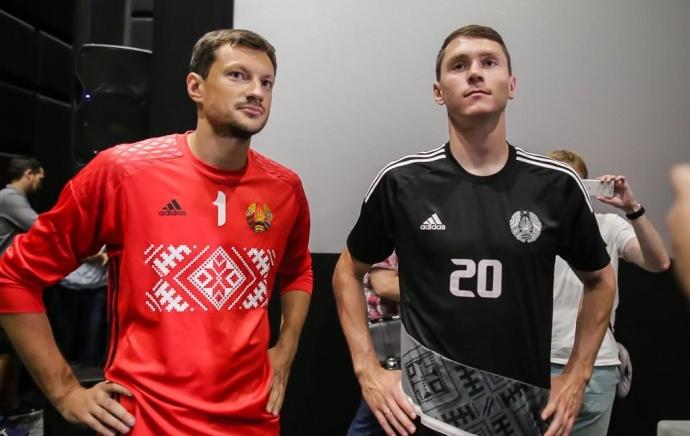 Глеб, Стасевич иЯнуш презентовали новейшую форму— Футбольная вышиванка