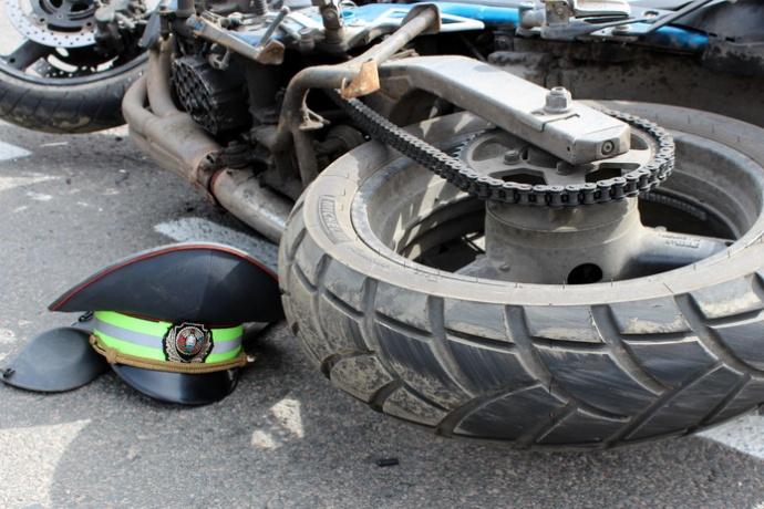 Дело о байкере сбившем сотрудника ГАИ направлено в суд
