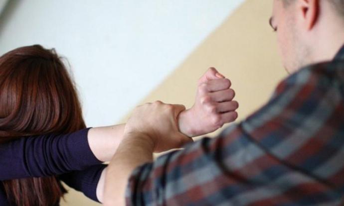 Гражданин Гродно 5 лет насиловал дочь-подростка
