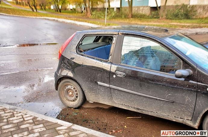 Нетрезвый гродненец разбил доской 5 авто