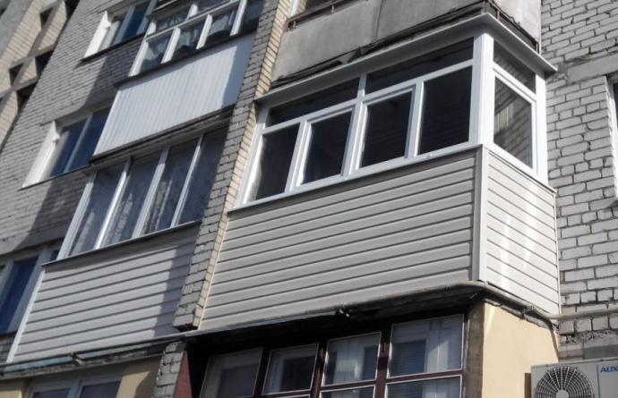 Вжилом доме вГродно обвалился балкон