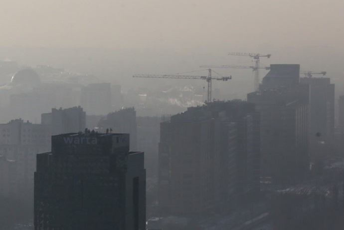 Несколько городов Польши накрыл ядовитый сумел