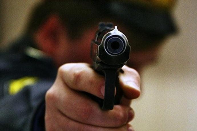 Стрелявший вминчанина милиционер сместаЧП несбегал— ГУВД