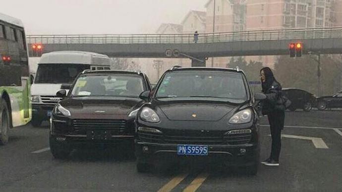 Китайский «клон» Порш протаранил настоящий Порше