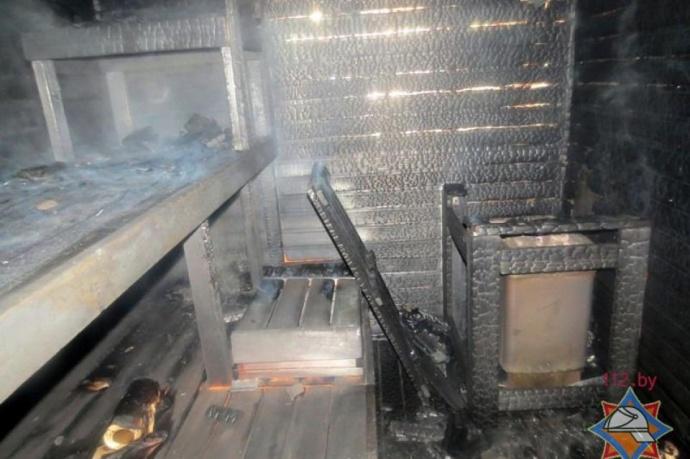 Cотрудники экстренных служб тушили баню вквартире на17-м этаже вМинске