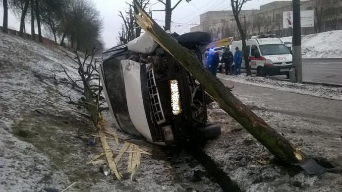 ВМогилеве Опель протаранил иопрокинул маршрутку спассажирами