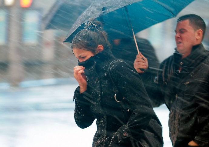 Сильный ветер, дождь, мокрый снег. Оранжевый уровень опасности объявлен наначало недели