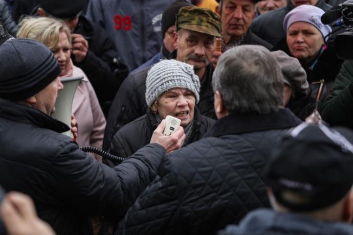 ВСлониме власти ответили навопросы участников «Марша нетунеядцев»
