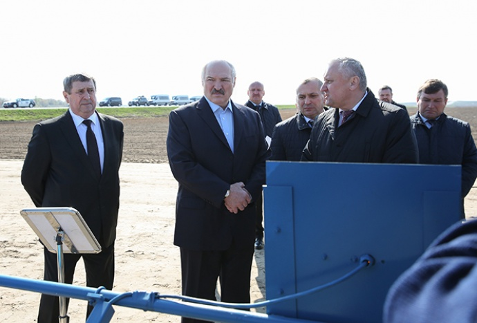 Лукашенко отдал приказ навести порядок с применением топлива