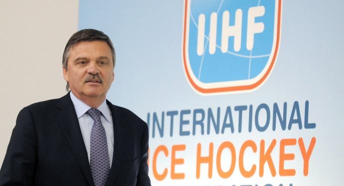Руководитель IIHF извинился перед белорусскими хоккеистами заинцидент навокзале Парижа