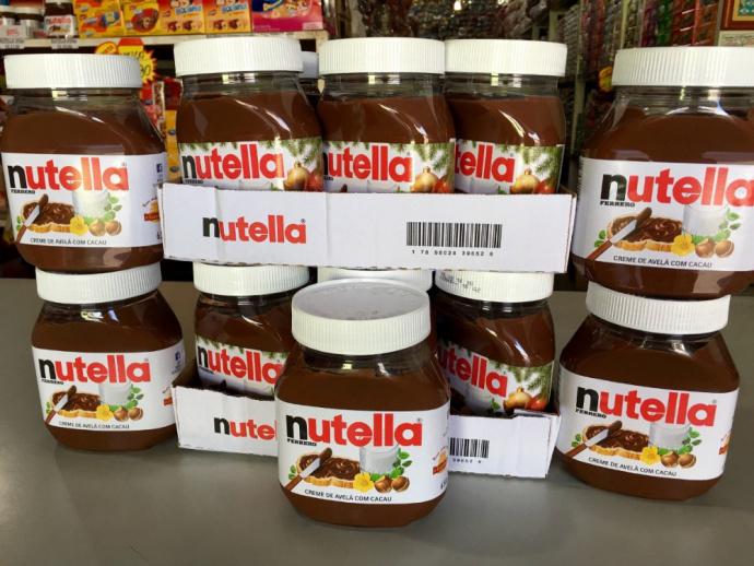 Неслипнется: вГермании угнали прицеп скучей сладостей