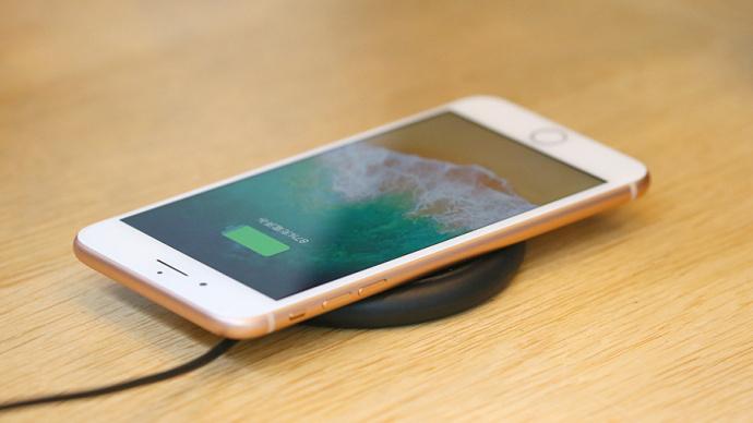 Новый iPhone 8 Plus взорвался во время зарядки
