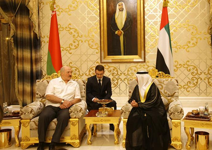 Лукашенко улетел вОАЭ срабочим визитом и некоторое количество дней погостить