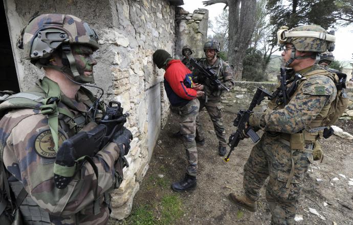 Американский спецназ захватил организатора убийства посла США вЛивии
