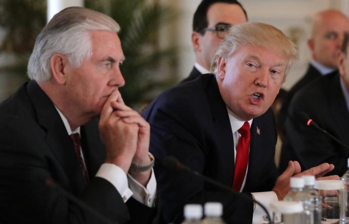 Отношения достигли дна: вСША поведали осерьезном конфликте Трампа иТиллерсона