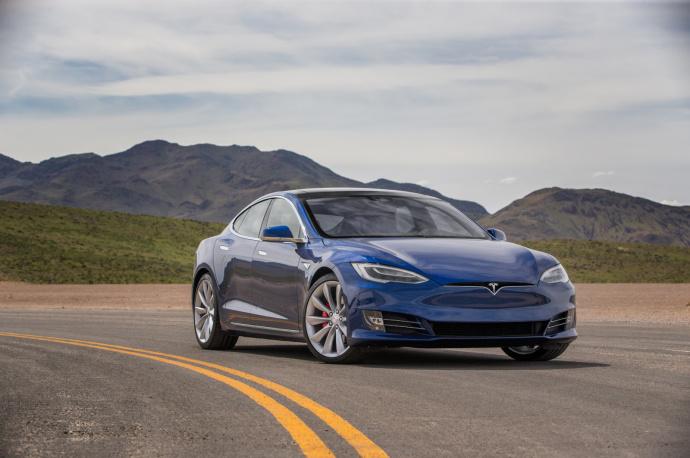 Власти Германии исключили Tesla изсписка электрокаров, которые можно приобрести сгосскидкой