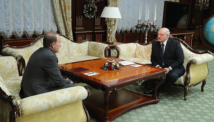 Лукашенко призвал покончить с «недоразумением» в Донбассе