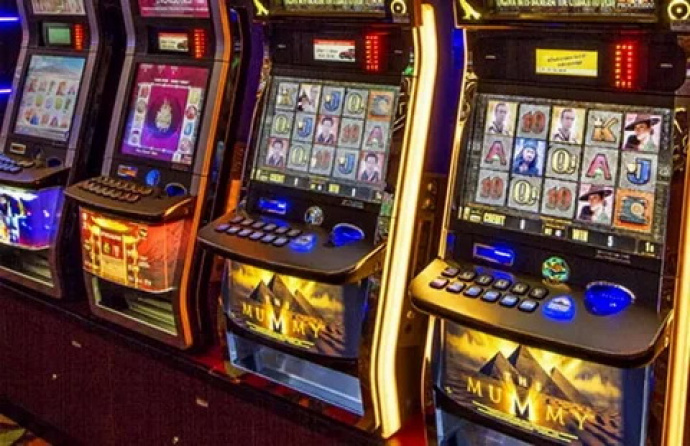 Хозяева казино в минске как играть на карте небельбург