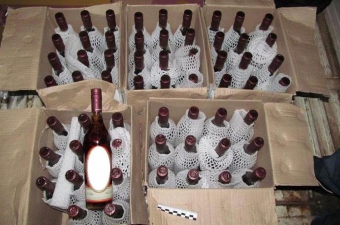ВВитебске продавали контрафакт ввиде элитного французского алкоголя